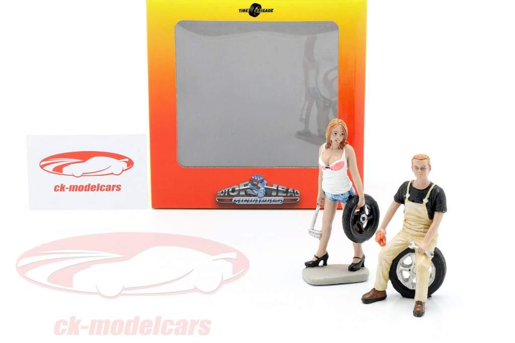 Tire Brigade figuur Set #4 Meg & Derek 1:18 MotorHeadMiniatures