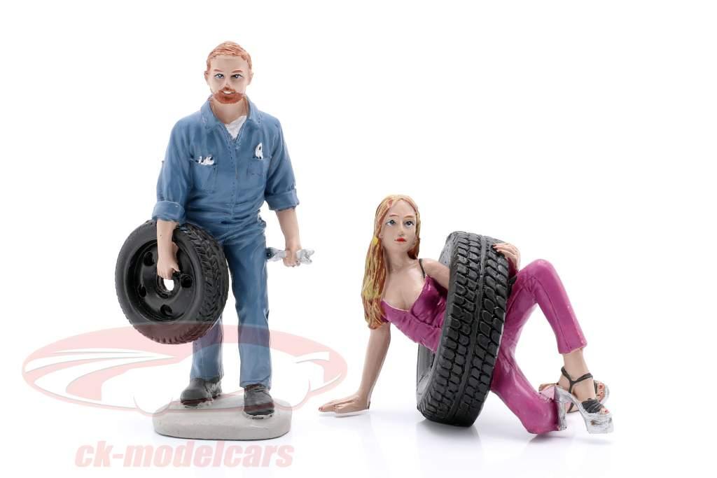 Tire Brigade Figure Set #3 Val & Gery 1:18 MotorHeadMiniatures