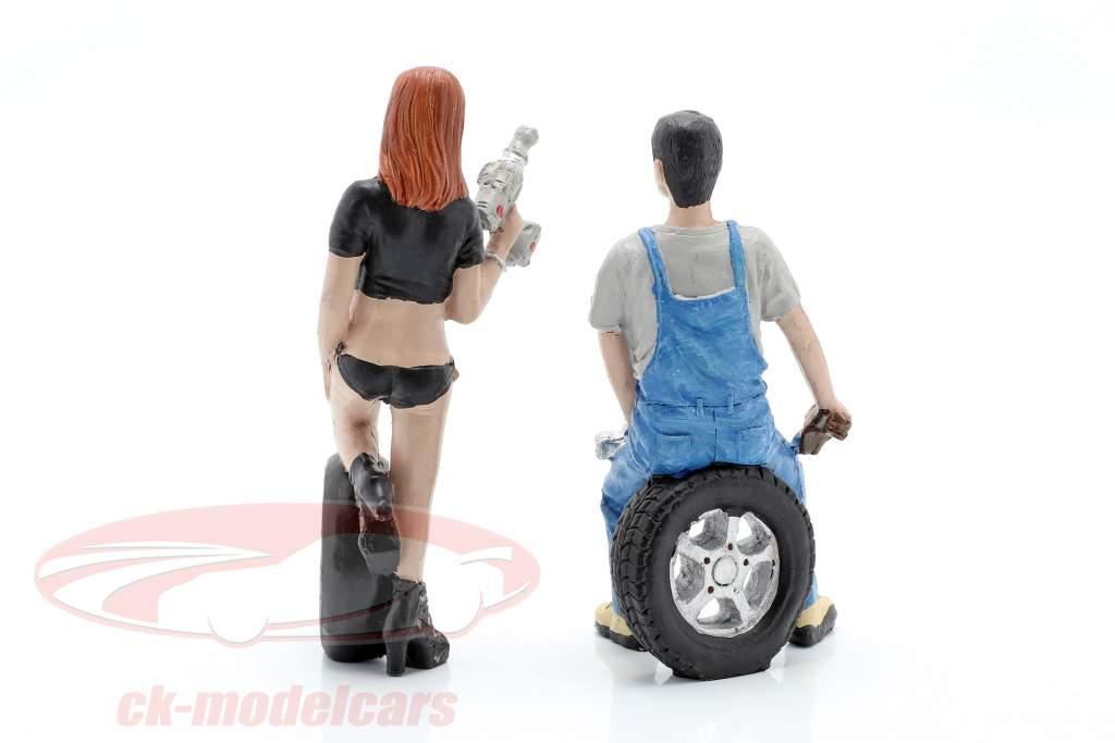 Tire Brigade Figure Set #2 Derek & Michele 1:18 MotorHeadMiniatures