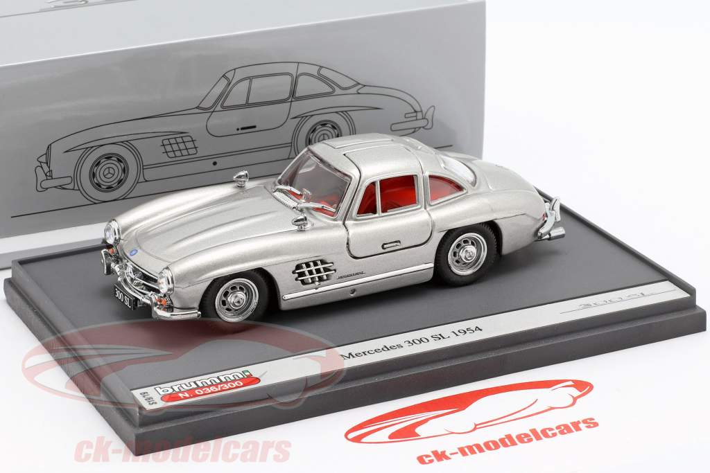Mercedes-Benz 300 SL (W198) Gullwing année de construction 1954 argent 1:43 Brumm