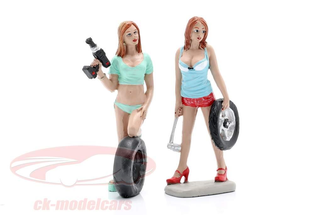 Tire Brigade Figure Set #5 Michele & Meg 1:18 MotorHeadMiniatures
