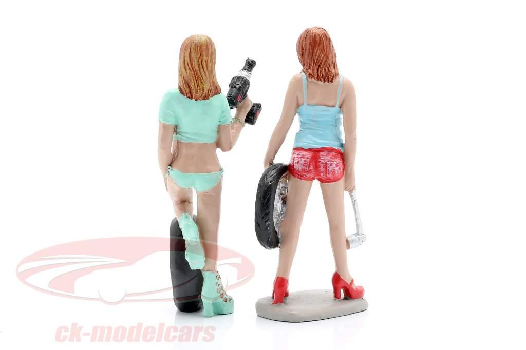 Tire Brigade Figuren-Set #5 Michele & Meg 1:18 MotorHeadMiniatures