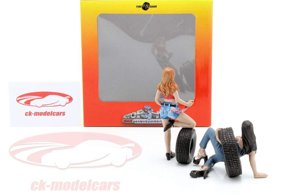 Tire Brigade Figura conjunto #6 Vel & Andie 1:18 MotorHeadMiniatures