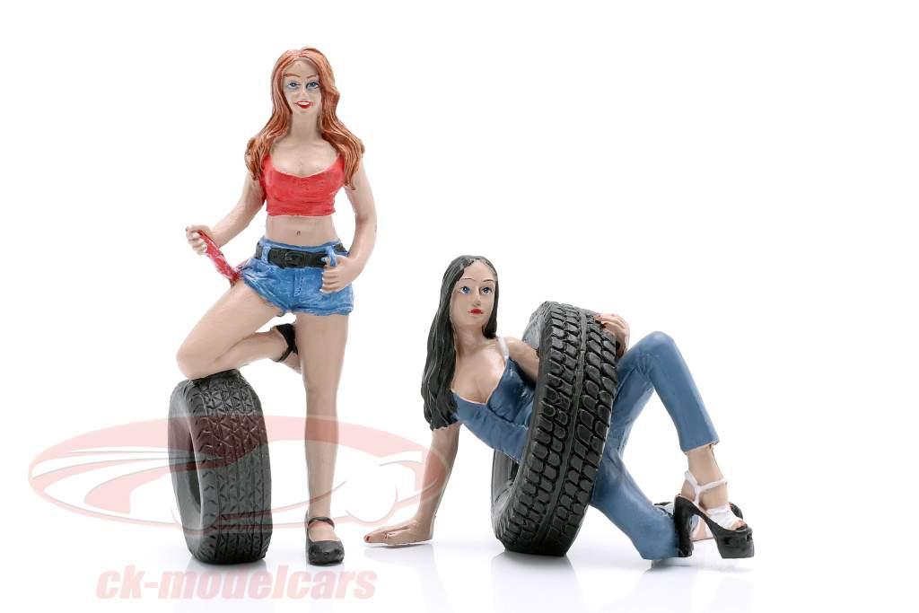 Tire Brigade Figura Set #6 Vel & Andie 1:18 MotorHeadMiniatures