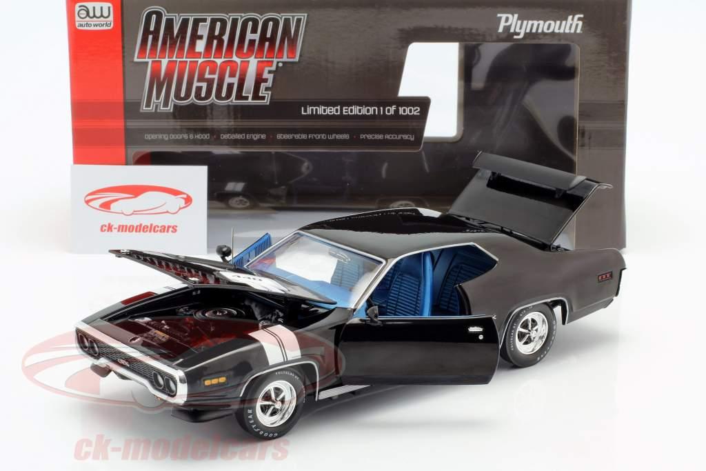 Plymouth GTX Baujahr 1971 schwarz / weiß 1:18 Autoworld