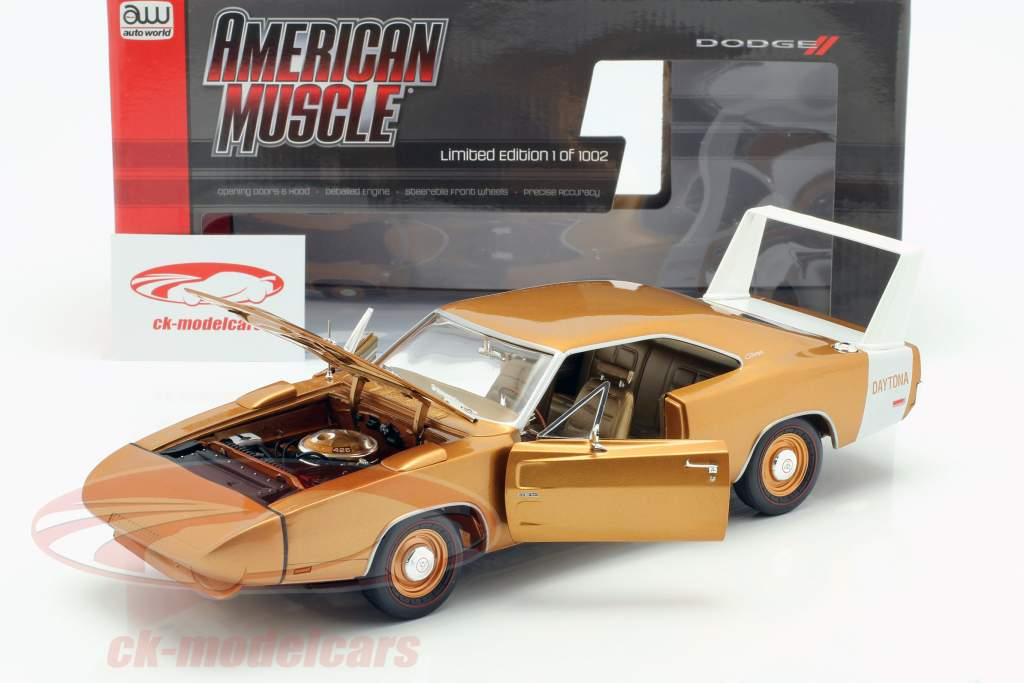 Dodge Charger Daytona year 1969 bronze metallic 1:18 Autoworld