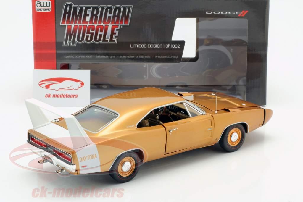 Dodge Charger Daytona Bouwjaar 1969 brons metaalachtig 1:18 Autoworld