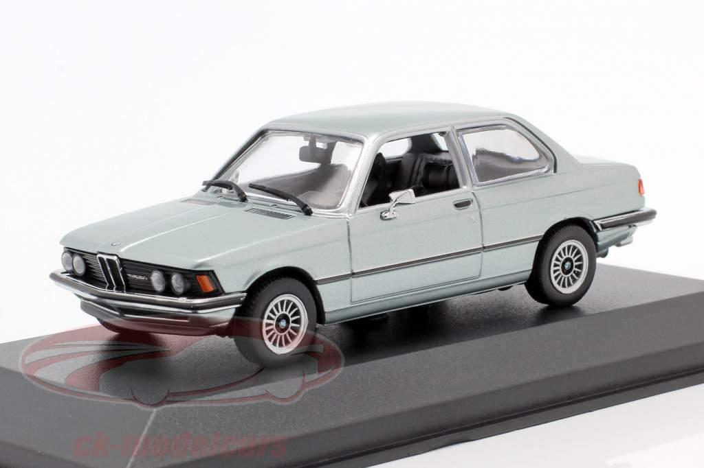 BMW 323i (E21) Año de construcción 1975 gris azulado metálico 1:43 Minichamps