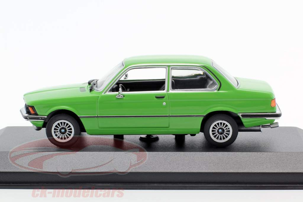 Minichamps//Maxichamps 940025474 BMW 323i 1975 grün 1:43 NEU//OVP