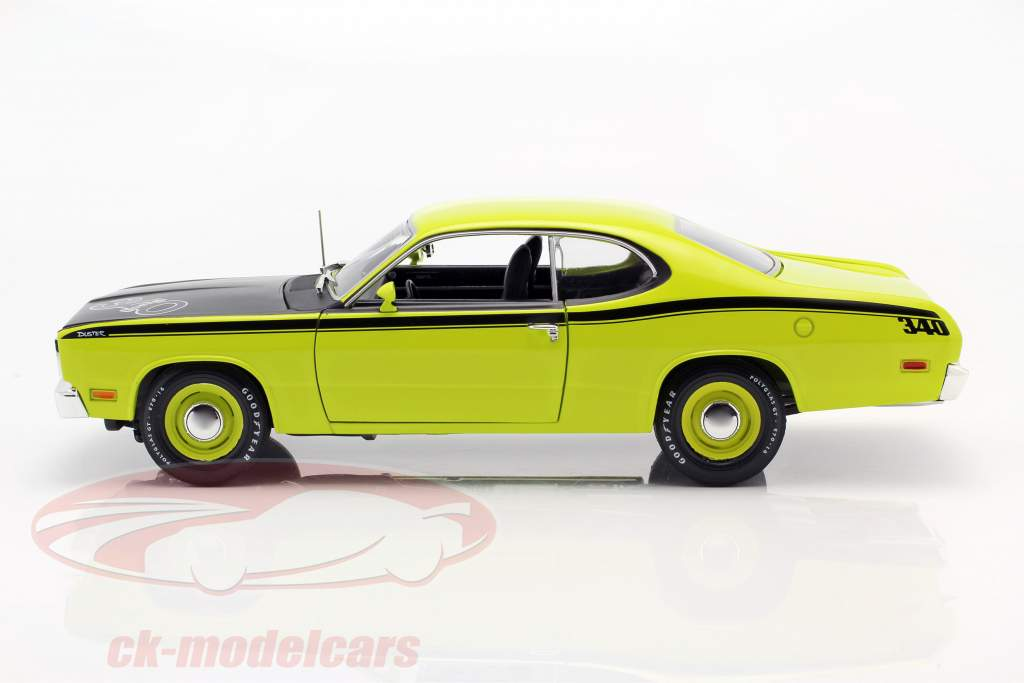 Plymouth Duster 340 Bouwjaar 1971 groen / zwart 1:18 Autoworld