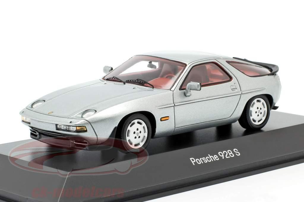 Porsche 928 S Ano de construção 1980-1986 prateado 1:43 Spark