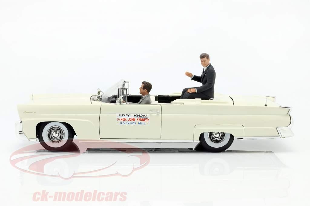 Lincoln Continental MK III Cabriolet 1958 J. F. Kennedy avec figurines 1:18 SunStar