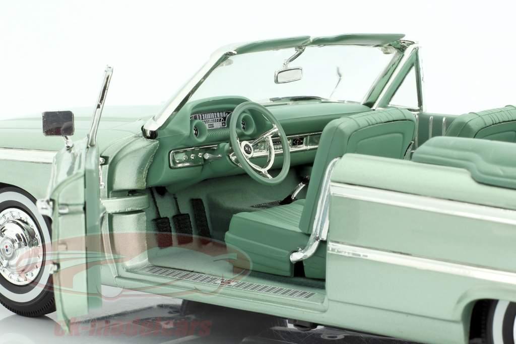 Ford Galaxie 500 XL åbent Convertible 1963 mosegrøn 1:18 SunStar