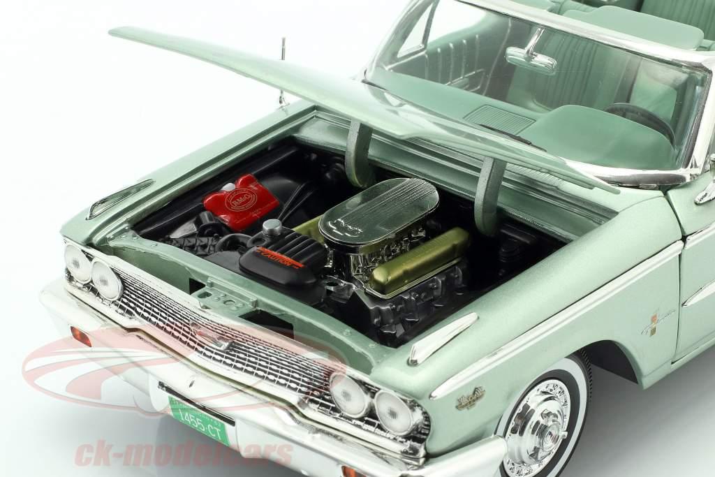 Ford Galaxie 500 XL Open Convertible 1963 mosgroen 1:18 SunStar
