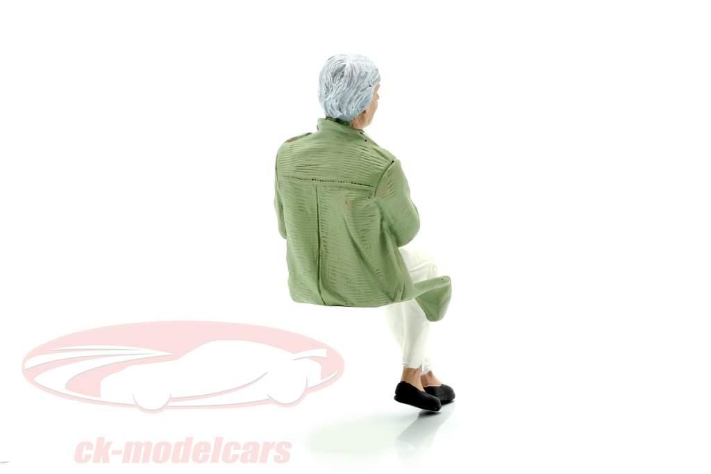 Sitting Old Couple Figure #2 1:18 American Diorama