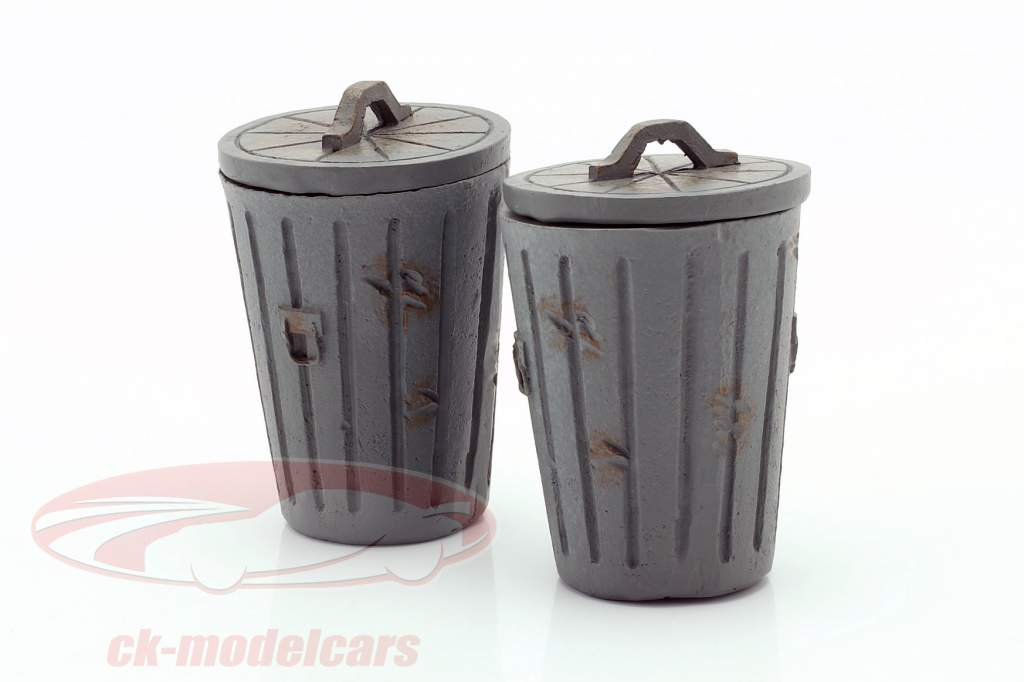 Set com 2 Latas de lixo cinza 1:18 American Diorama