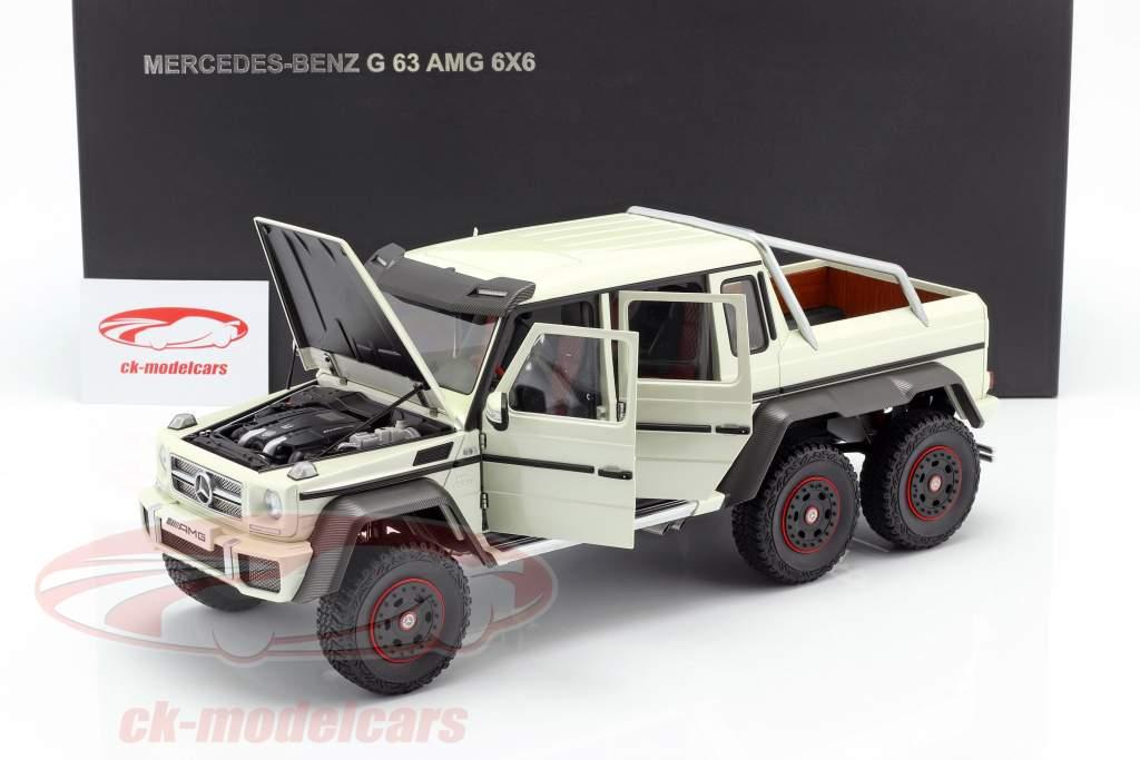 Mercedes-Benz G63 AMG 6x6 Ano de construção 2013 designo diamante branco 1:18 AUTOart
