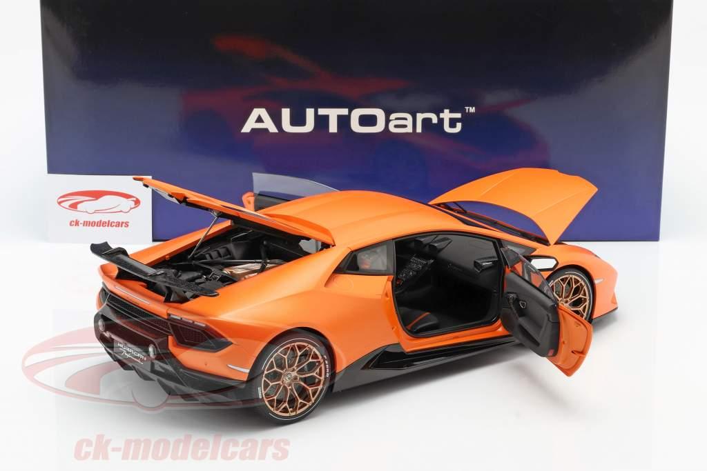 Lamborghini Huracan Performante Ano de construção 2017 anthaeus laranja 1:12 AUTOart