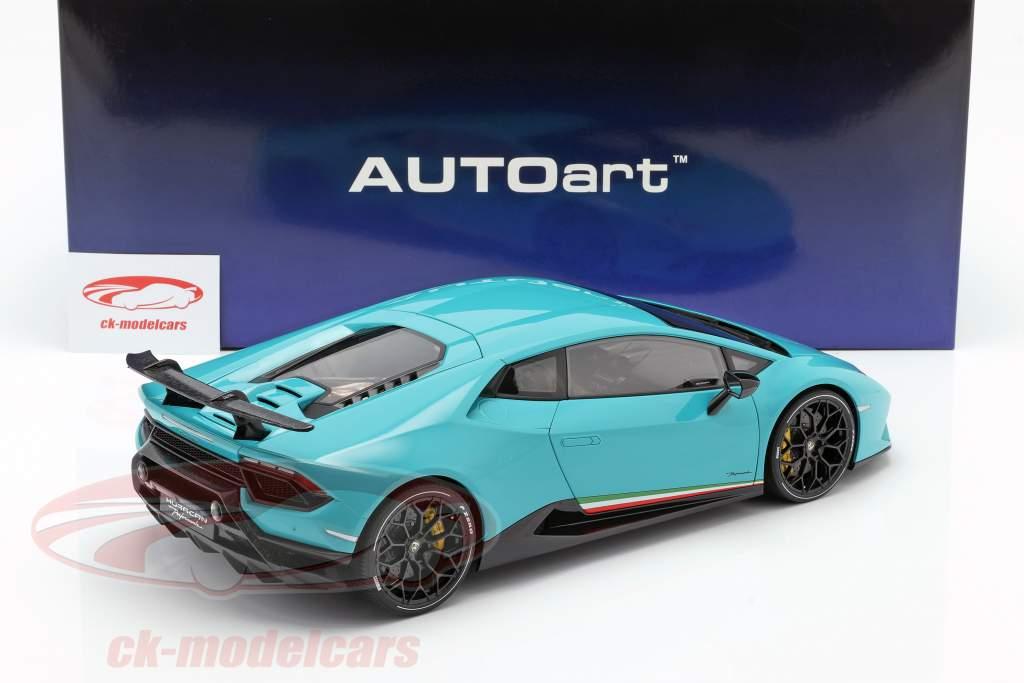 Lamborghini Huracan Performante Bouwjaar 2017 licht blauw 1:12 AUTOart
