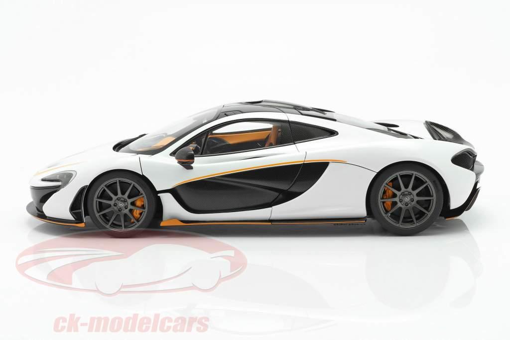 McLaren P1 Ano de construção 2013 branco / preto / laranja 1:18 AUTOart