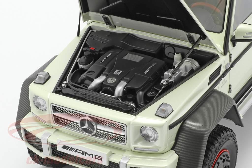 Mercedes-Benz G63 AMG 6x6 Byggeår 2013 designo diamant hvid 1:18 AUTOart