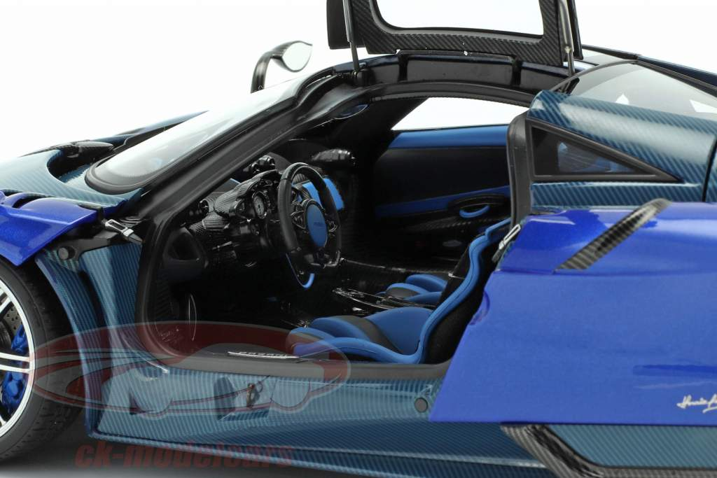 Pagani Huayra BC Baujahr 2016 blau / carbon 1:18 AUTOart