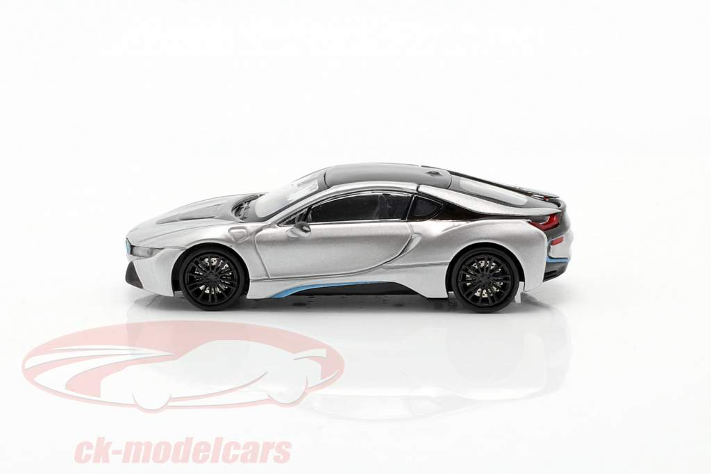 BMW i8 Coupe (I12) Bouwjaar 2015 zilver 1:87 Minichamps