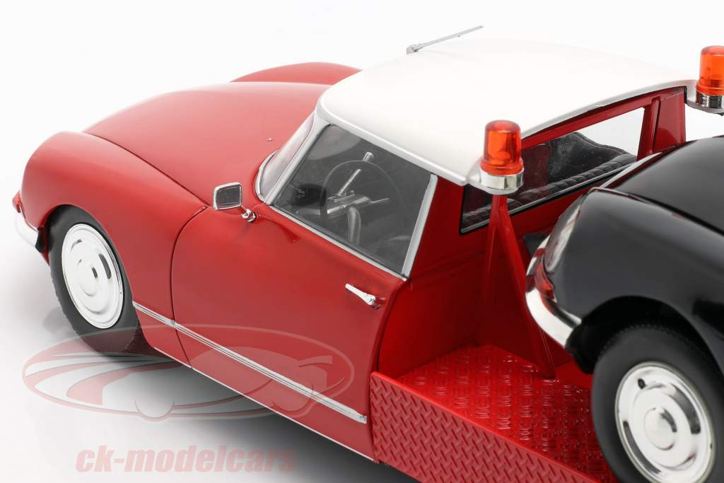 Citroen DS Tissier Auto vervoerder Bouwjaar 1970 rood 1:18 CMR