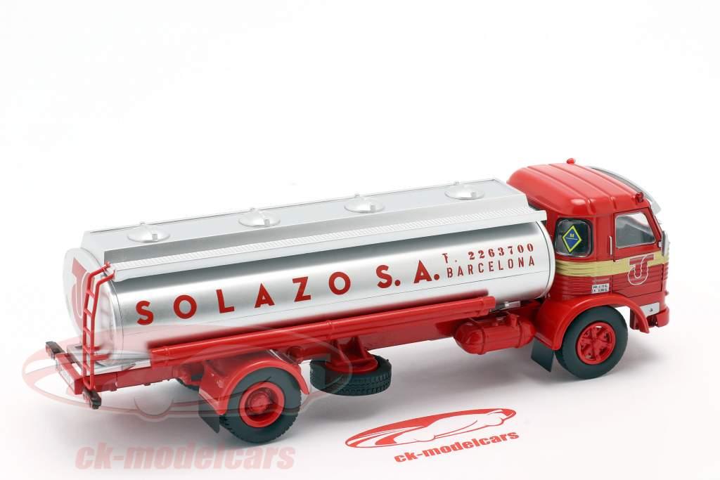 Pegaso 1065 L Europa Solazo Tankwagen Bouwjaar 1969 rood / zilver 1:43 Altaya