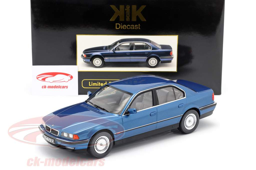 BMW 740i E38 1. serie Byggeår 1994 blå metallisk 1:18 KK-Scale
