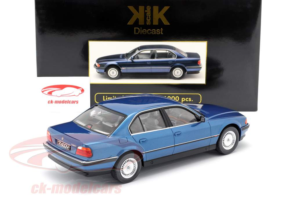 BMW 740i E38 1e serie Bouwjaar 1994 blauw metallic 1:18 KK-schaal