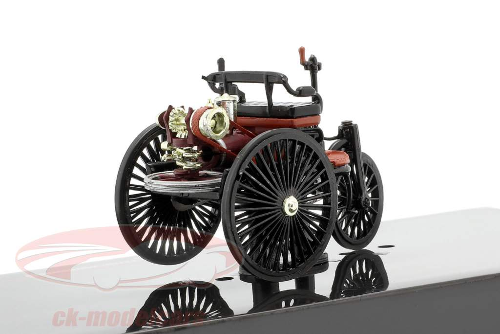 Benz Patent auto Bouwjaar 1886 zwart / roodbruin 1:43 Ixo