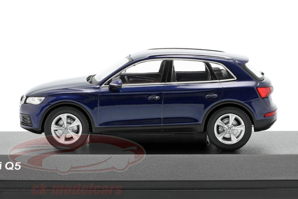 Audi Q5 navarra bleu 1:43 iScale