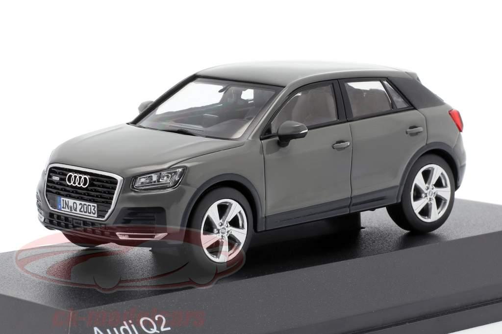 Audi Q2 quantum grijs 1:43 iScale