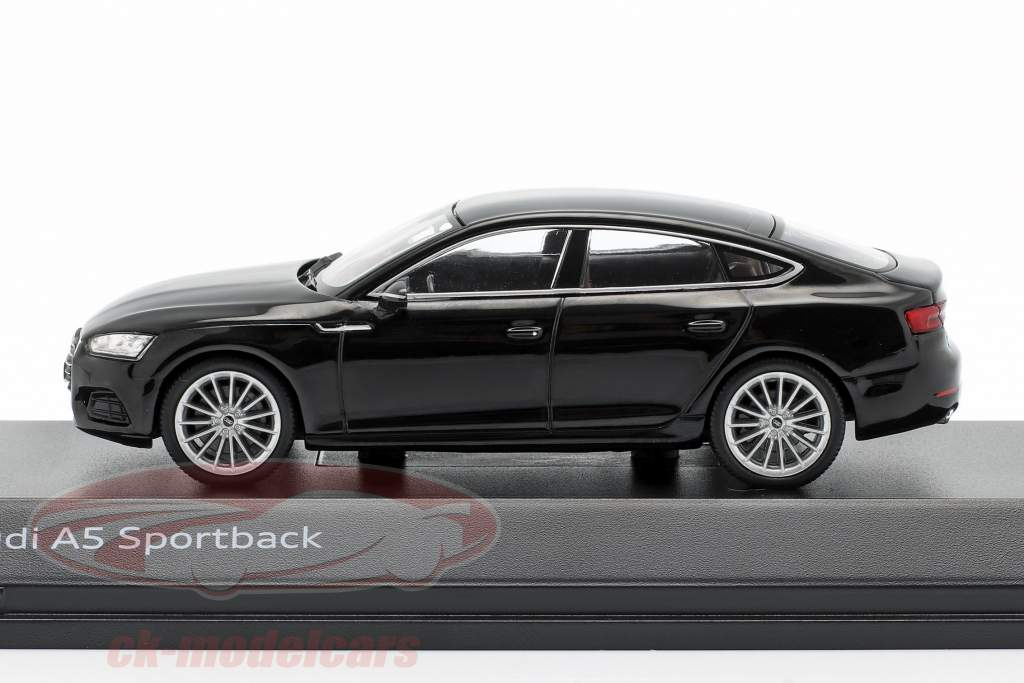 Audi A5 Sportback Baujahr 2017 mythosschwarz 1:43 Spark