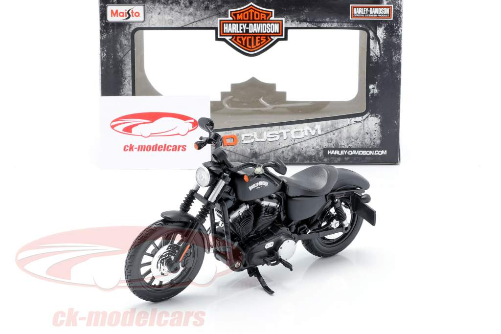 Harley Davidson Sportster Iron 883 Année de construction 2014 noir 1:12 Maisto