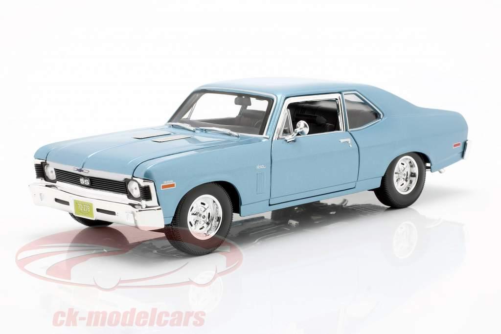 Chevrolet Nova SS Coupe Bouwjaar 1970 licht blauw metallic 1:18 Maisto