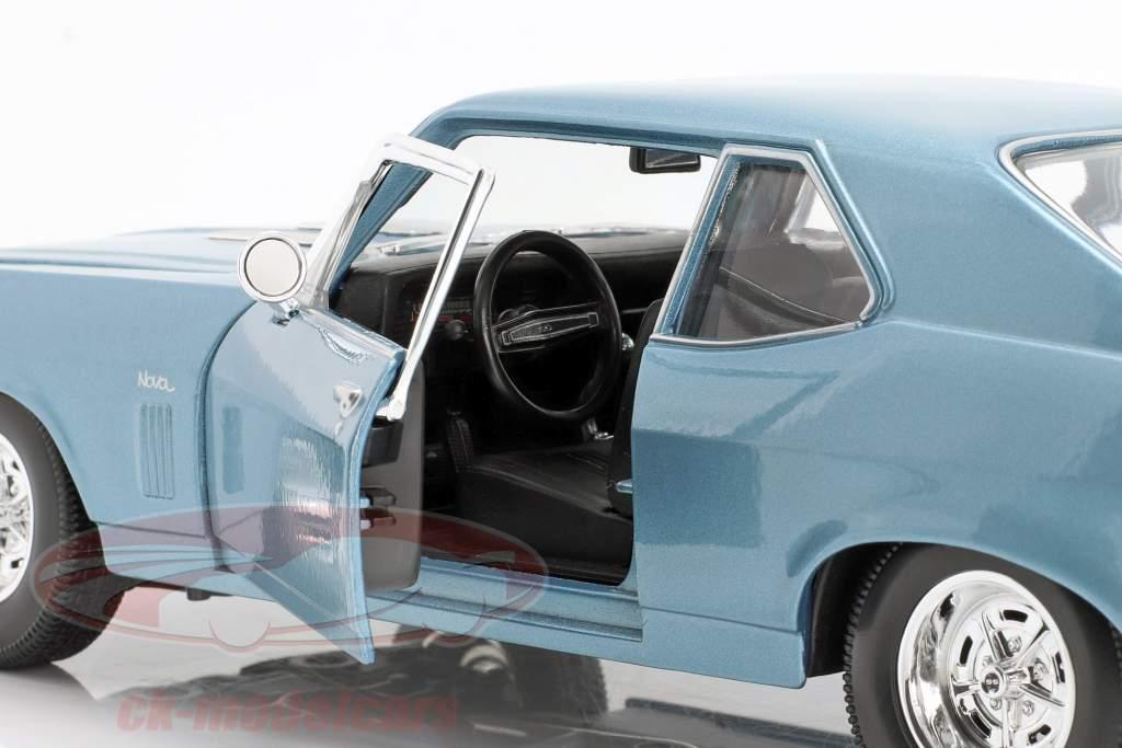 Chevrolet Nova SS Coupe Año de construcción 1970 luz azul metálico 1:18 Maisto