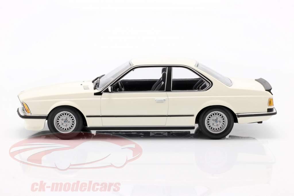 BMW 635 CSi (E24) Ano de construção 1982 branco 1:18 Minichamps