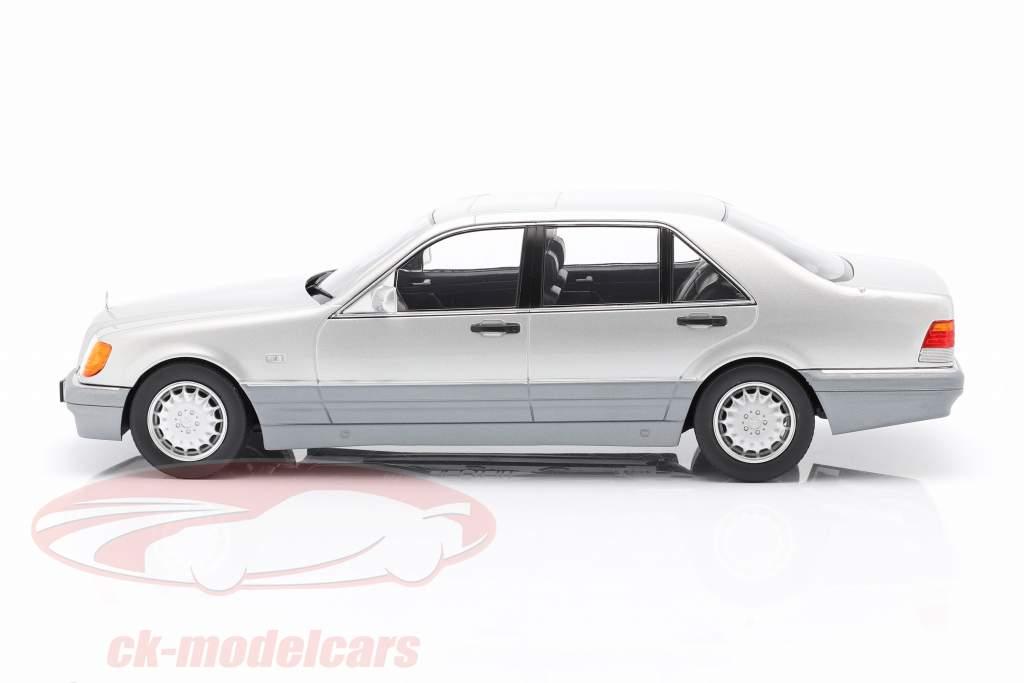 Mercedes-Benz S500 (W140) Año de construcción 1994-98 brillante plata / gris 1:18 iScale