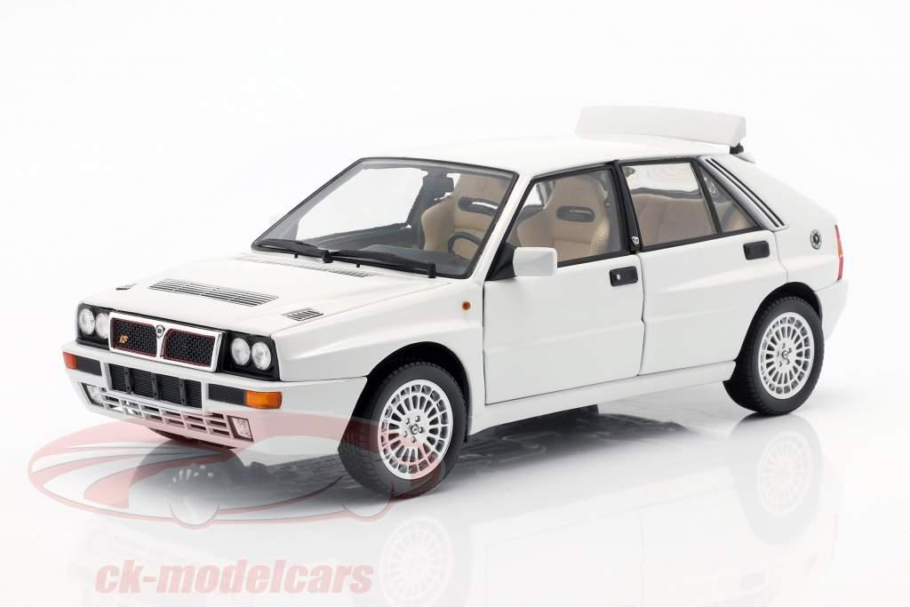 Lancia Delta HF Integrale Evoluzione 2 Année de construction 1993 blanc 1:18 Kyosho