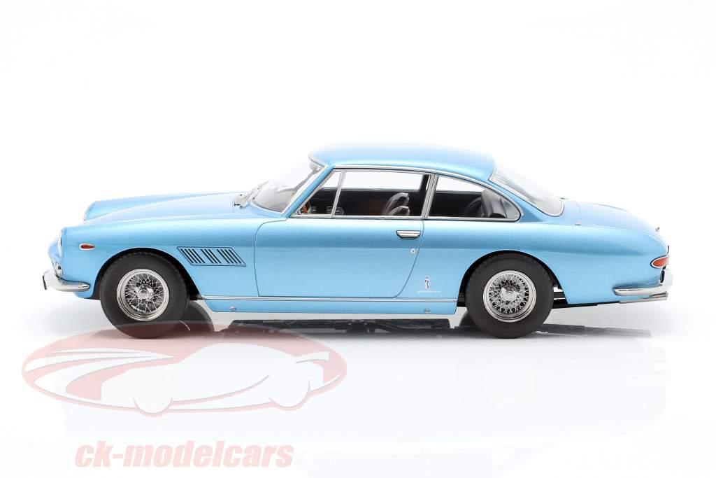 Ferrari 330 GT 2+2 Ano de construção 1964 luz azul metálico 1:18 KK-Scale