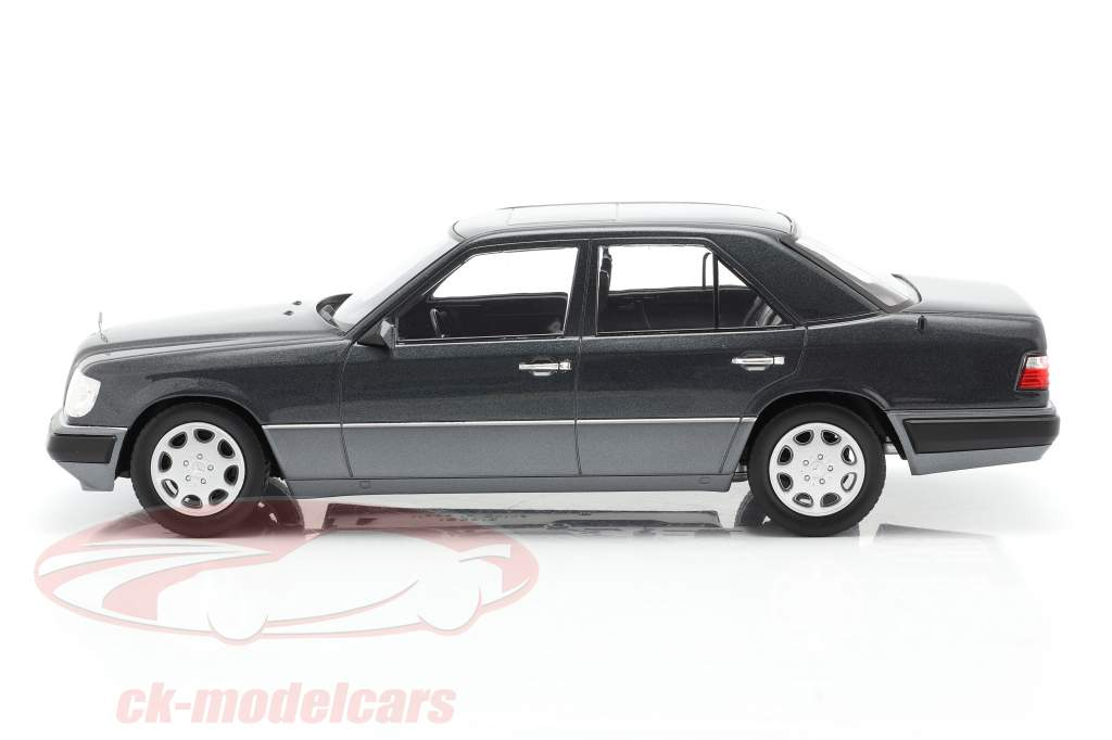 Mercedes-Benz E-Clase (W124) Año de construcción 1989 azul-negro metálico 1:18 iScale