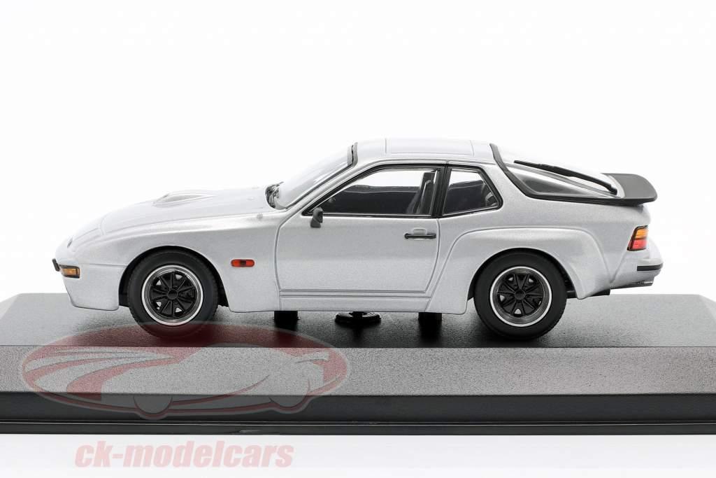 Porsche 924 GT Año de construcción 1981 plata 1:43 Minichamps
