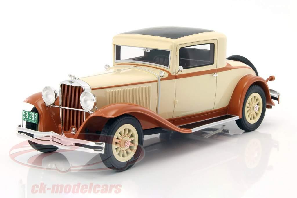 Dodge Eight DG Coupe Bouwjaar 1931 beige / bruinen 1:18 BoS-Models