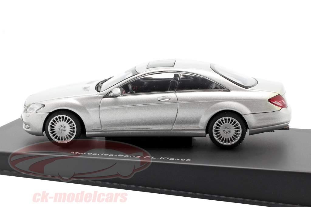 Mercedes-Benz Classe CL Ano de construção 2006 prateado metálico 1:43 AUTOart