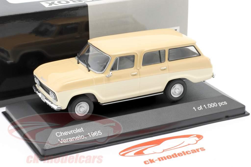 Chevrolet Veraneio Baujahr 1965 creme / beige 1:43 WhiteBox