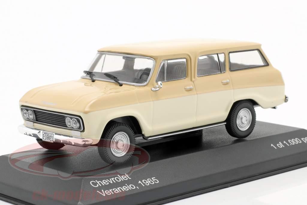 Chevrolet Veraneio Byggeår 1965 fløde / beige 1:43 WhiteBox
