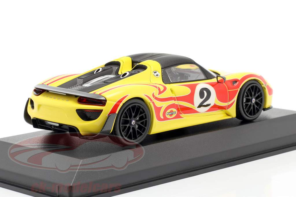 Porsche 918 Spyder Weissach Package Kyalami Racing Design año de construcción 2015 amarillo / rojo 1:43 Minichamps