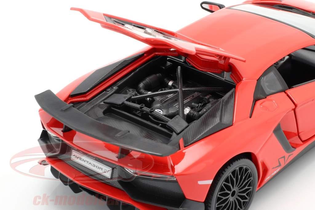 Lamborghini Aventador LP 750-4 SV rojo 1:24 Bburago